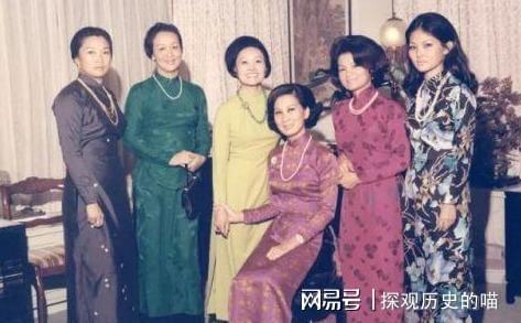 男子娶39个妻子同居大屋_何鸿燊四房太太_男子娶四房太太