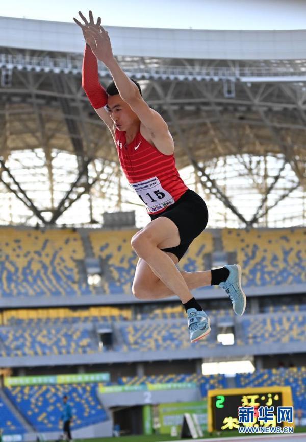 中考体育跳远技巧_体育课立定跳远教案_跳远教案教案